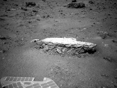 A picture of the Tisdale 2 rock taken by the Mars Rover Opportunity (photo NASA/JPL-Caltech)