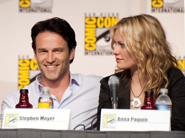 Stephen Moyer and Anna Paquin in 2009