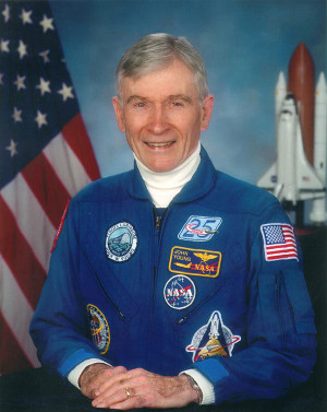 Official portrait of John Young (Photo NASA)