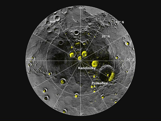 A Mosaic of the Messenger space probe's Images of Mercury's North Pole Region. In yellow the higher reflectance areas (Image NASA/Johns Hopkins University Applied Physics Laboratory/Carnegie Institution of Washington/National Astronomy and Ionosphere Center, Arecibo Observatory)