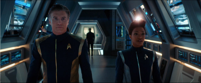Captain Christopher Pike (Anson Mount) and Michael Burnham (Sonequa Martin-Green) in Brother (Image courtesy CBS / Netflix. All rights reserved)