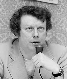 Gordon R. Dickson at Minicon 8 in 1974