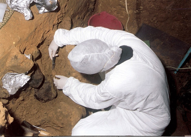 Sample-taking at the archeological site of El Sidrón, Spain (Photo courtesy El Sidrón research team)