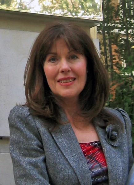 Elisabeth Sladen in 2003