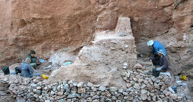 Excavators working at Jebel Irhoud (Photo Shannon McPherron, MPI EVA Leipzig)