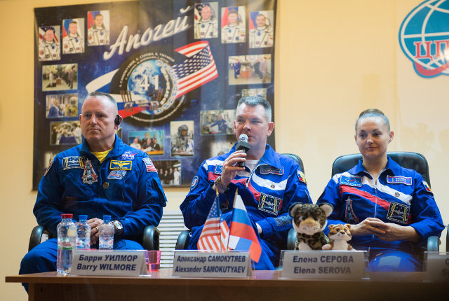 Barry Wilmore, Alexander Samokutyaev and Yelena Serova during a press conference before the launch (Photo NASA/Aubrey Gemignani)