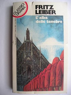 Gather, Darkness! by Fritz Leiber (Italian edition)
