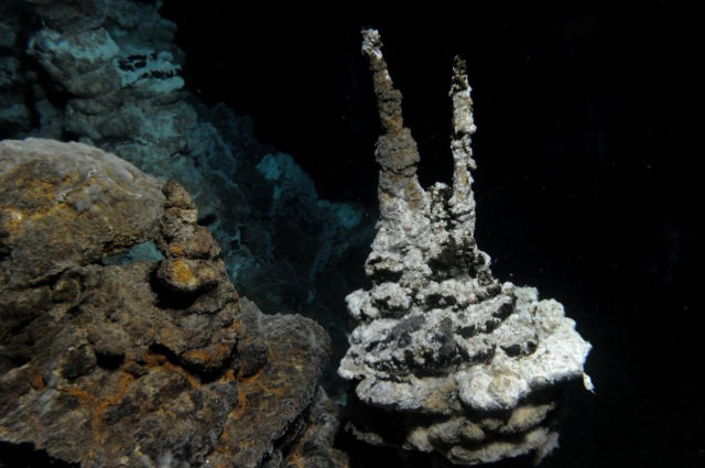 Hydrothermal vents at Loki's Castle where Lokiarchaeota were found (Photo courtesy R.B. Pedersen, Centre for Geobiology (University of Bergen, Norway). All rights reserved)