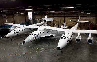 SpaceShipTwo connected to its mothership White Knight Two