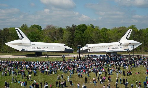 The Space Shuttle Orbiter Enterprise and the Space Shuttle Orbiter Discovery (Photo NASA/Smithsonian Institution/Carolyn Russo)