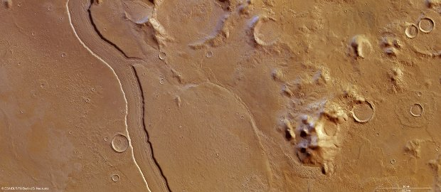 A part of Reull Vallis photographed by the Mars Express space probe (Image ESA/DLR/FU Berlin (G. Neukum))