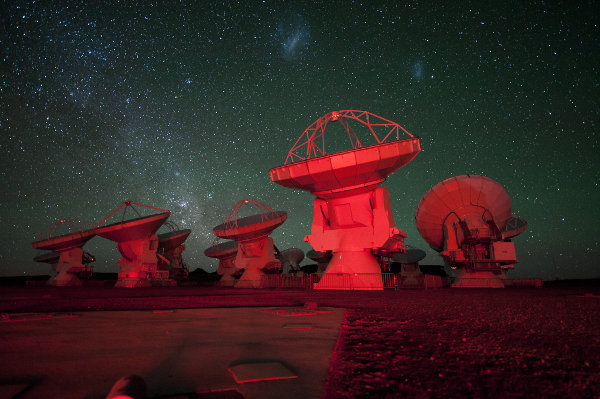 Some ALMA antennae (Photo ESO/C. Malin)