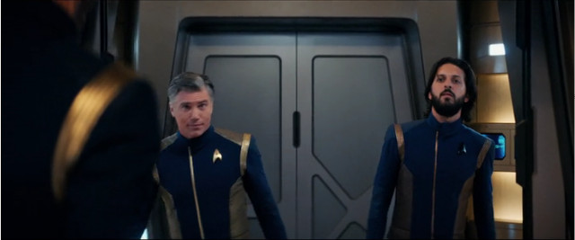 Captain Christopher Pike (Anson Mount) and Ash Tyler (Shazad Latif) in Light and Shadows (Image courtesy CBS / Netflix. All rights reserved)