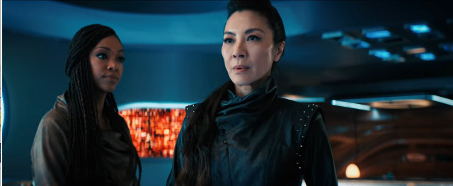 Michael Burnham (Sonequa Martin-Green) and Philippa Georgiou (Michelle Yeoh) in Scavengers (Image courtesy CBS / Netflix. All rights reserved)