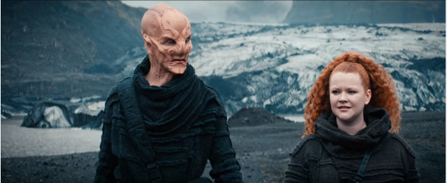 Saru (Doug Jones) and Sylvia Tilly (Mary Wiseman) in Far From Home (Image courtesy CBS / Netflix. All rights reserved)